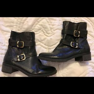 Black Leather Naturalizer Booties